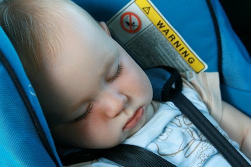 dodo bébé en voiture