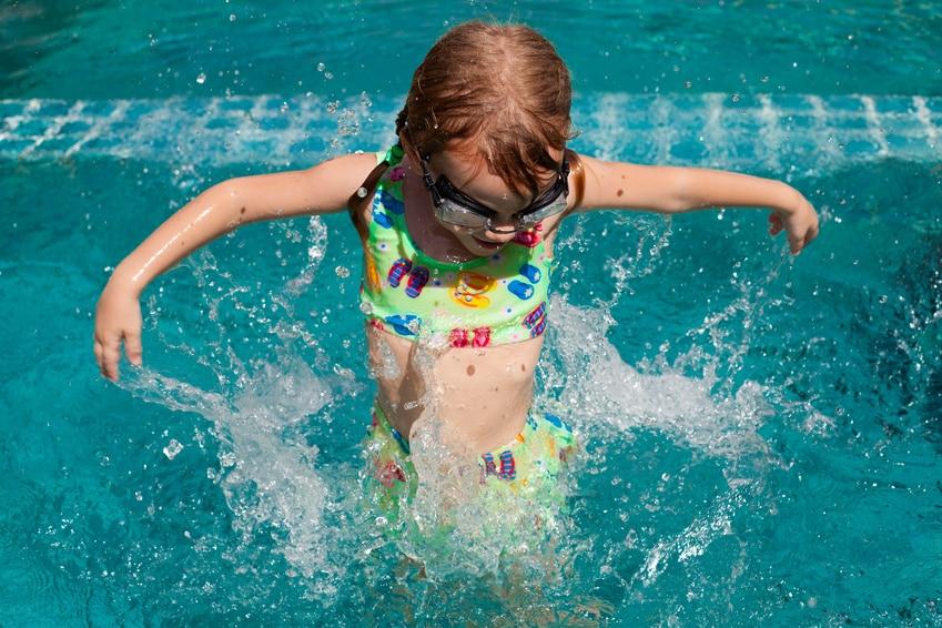 Enfant-%C3%A0-la-piscine1 bonheur dans Communauté spirituelle
