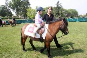 course de chevaux en famille