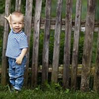 enfant cloture jardin