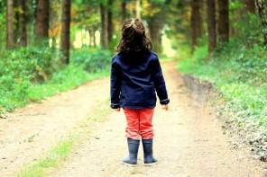 enfant randonnées couverte