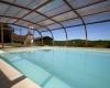 Domaine de la Rhonie piscine couverte