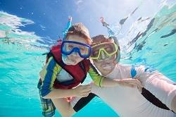 Snorkeling en famille retaillé