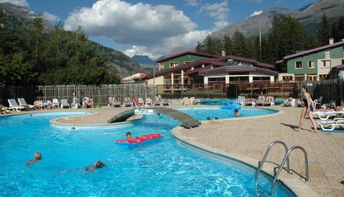 Vacances en pleine nature val cenis en famille for Piscine village nature