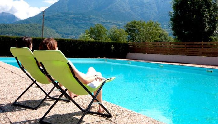 Des vacances quelques pas du lac d 39 annecy en famille for Piscine village nature