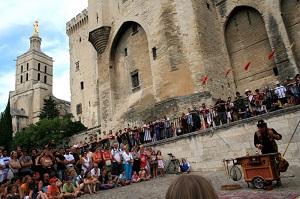 Festival Avignon retaillé