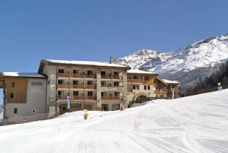hotel-club-val-cenis-hiver-ext