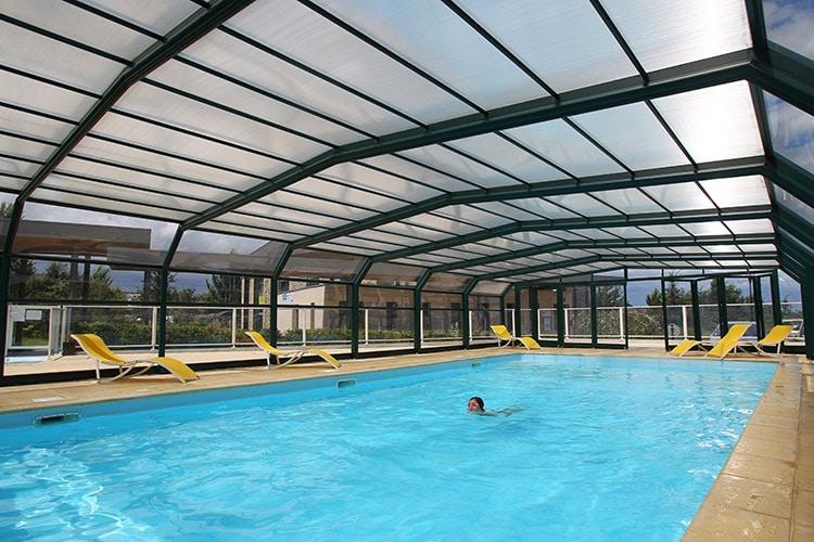 S jour deux pas du centre historique de dinan en famille for Residence piscine couverte