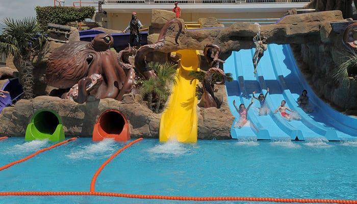 En famille l 39 h tel olympic palace lloret de mar - Location costa brava avec piscine ...