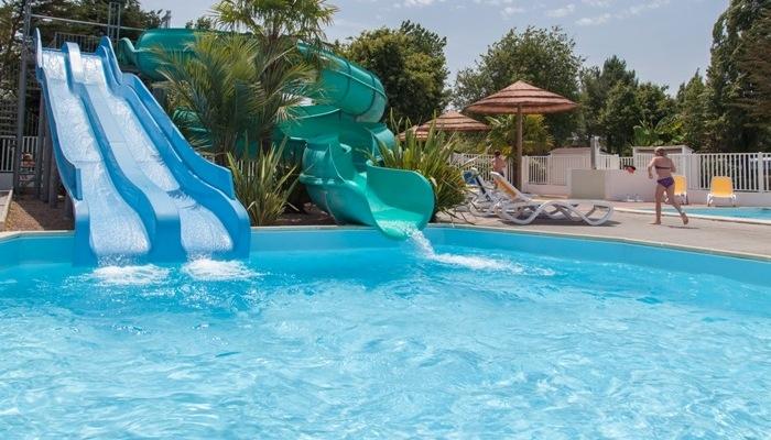 En famille en camping avec parc aquatique en vend e - Camping damgan avec piscine couverte ...
