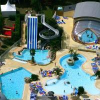 vue-aerienne-piscine-couverte-bretagne 700 400