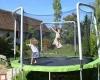 family ecolodge trampoline enfants