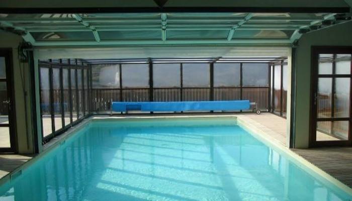 Vacances en famille pour profiter de saint lary en t for Residence piscine couverte