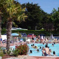 camping-les-brillas-piscine-700-400