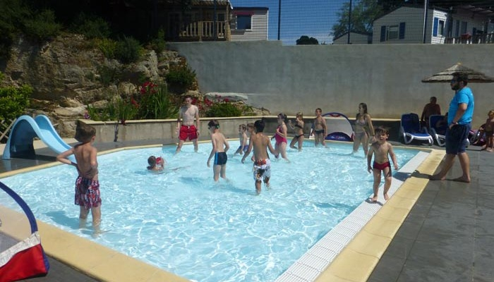 Camping l eden la baule escoublac loire atlantique for Animation piscine