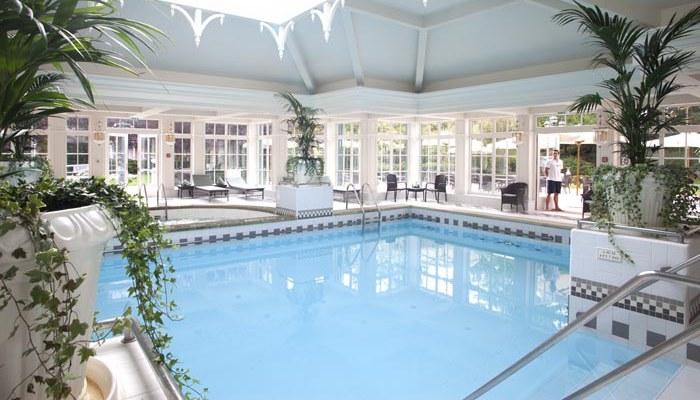 Le disneyland hotel en famille for Hotel paris avec piscine