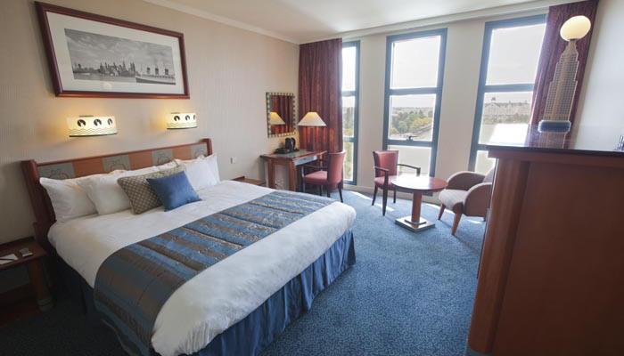 le disney 39 s hotel new york en famille. Black Bedroom Furniture Sets. Home Design Ideas